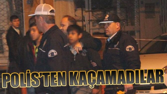 Polisten Kaçan Zanlılar Girdikleri Evde Yakalandı