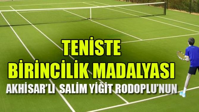 Tenis'te Birincilik  Madalyası Akhisar'da