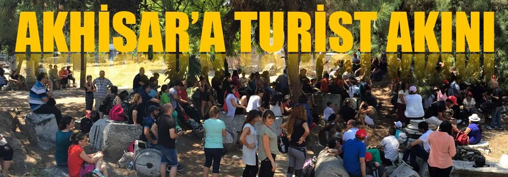 Akhisar'a bir günde 17 ülkeden 285 Turist geldi