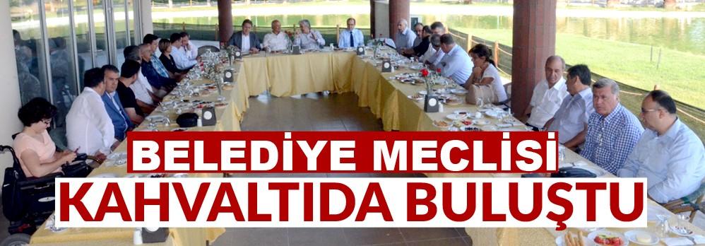 Akhisar Belediye Meclisi Kahvaltıda Buluştu