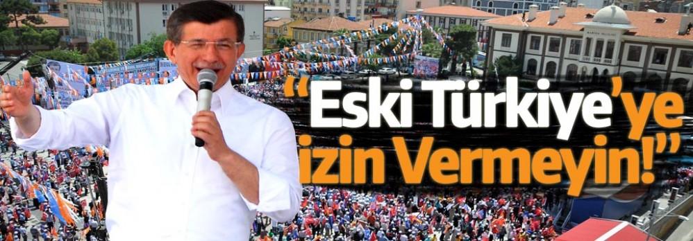 Başbakan Davutoğlu Manisa'da Muhalefete Yüklendi