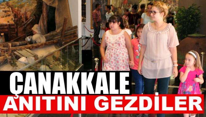 Öğrencilerden Çanakkale Şehitler Anıtı'na Gezi