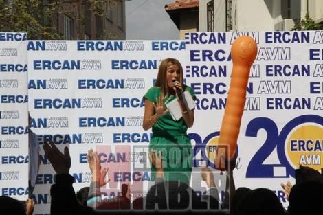 Ercan AVM Özay ile Coşturdu!
